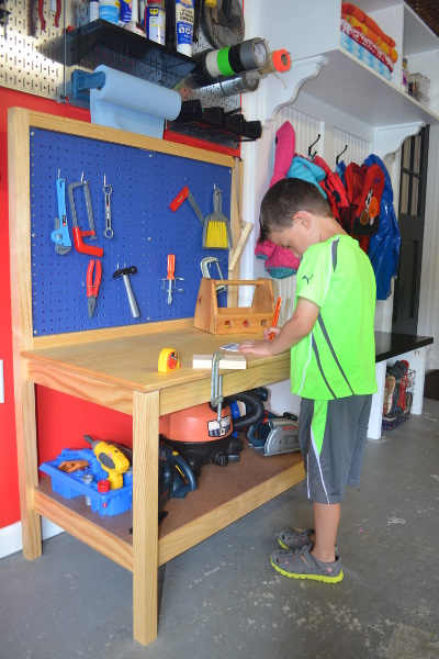 Wondrous Diy Kids Workbench Free Step By Step Build Plans Copewood Frankydiablos Diy Chair Ideas Frankydiabloscom